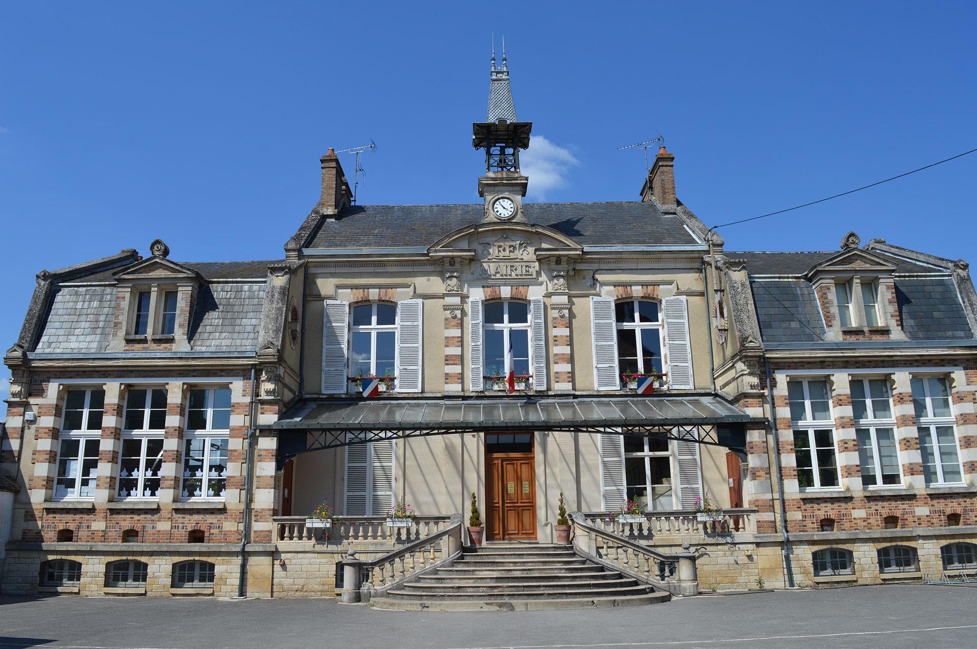 La Mairie des Sièges - 89 - Yonne - Bourgogne